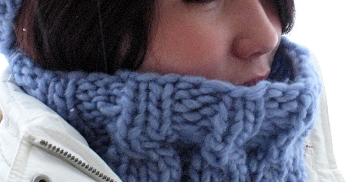 Paulina\'s Blog: Speedy Cabled Cowl Pattern