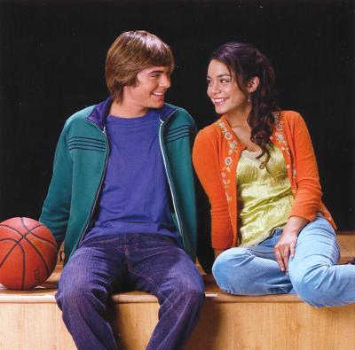 http://high-school-musical.wikia.com/wiki/File:Troy-y-gabriella-high-school-musical-7.jpg