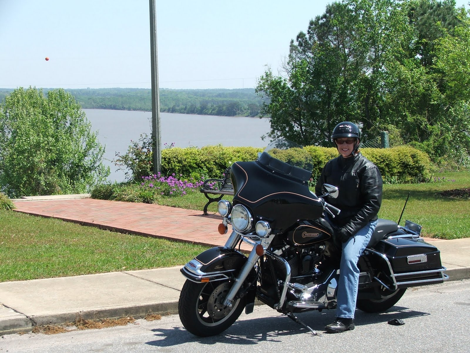 Southern Comfort Remembering Your First Continued For The 2015 Harley Davidson Tour Pack By Simply Removing Horizontal Chrome Saddle Bag Guards And Exchanging Big Pillow Seat With A Sport
