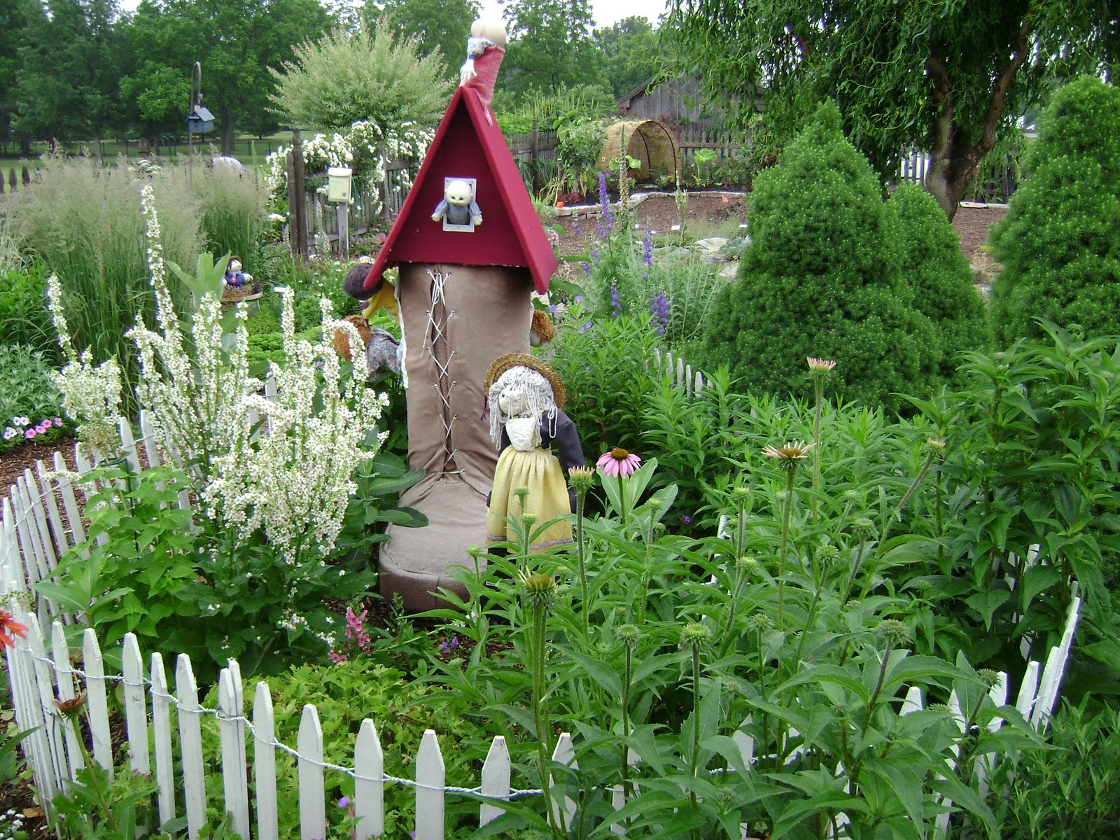 Prairie rose 39 s garden ideas galore in the idea garden for Garden ideas