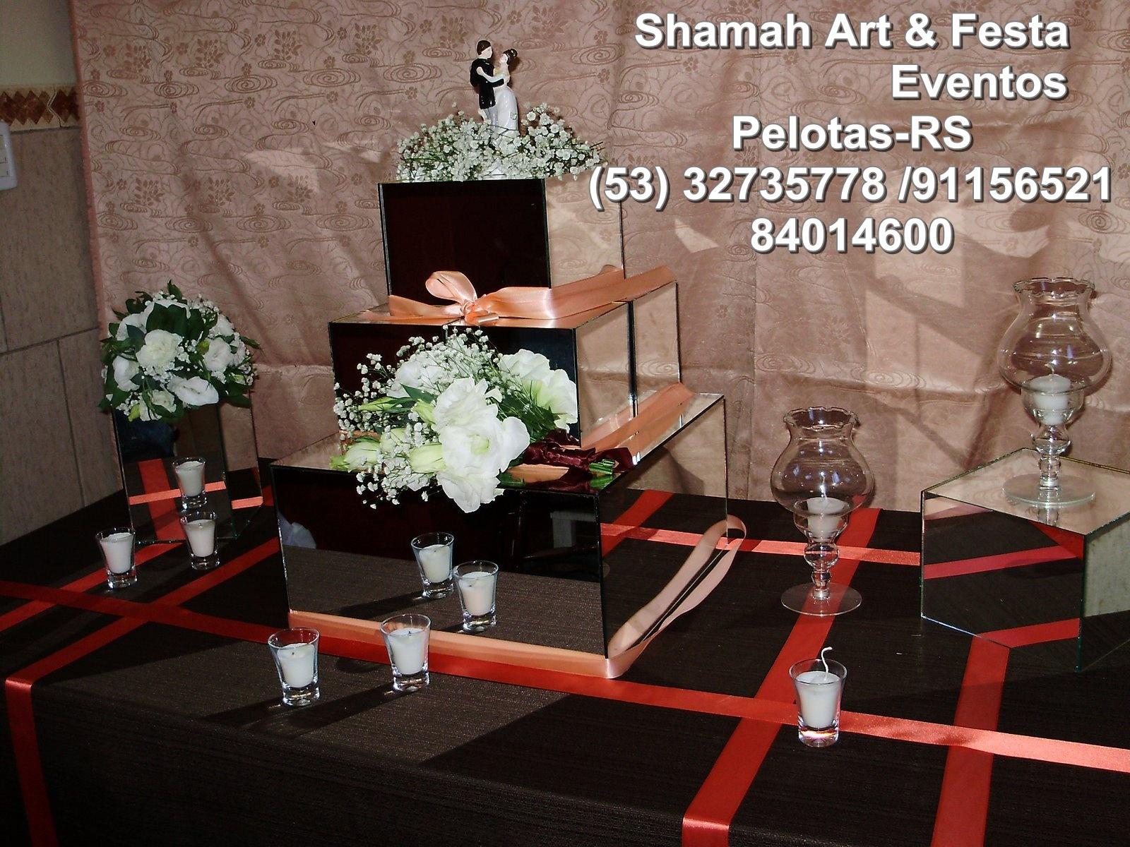 Pelotas mesa do bolo marron e salmão  decoração para casamento