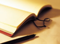 Dalam penulisan karya ilmiah penulis lajim mengacu pada sumber teks ...