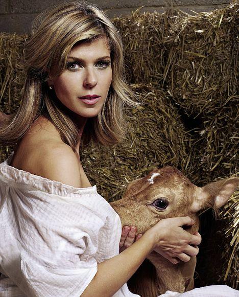 Pictures+of+women+breastfeeding+animals