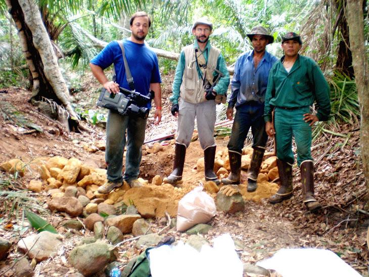 Expedição com uma equipe de geólogos no Pantanal.