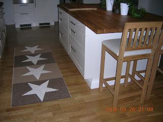 Mattor Pappelina : Villa elva kulla pappelina matta och stolar