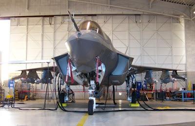 Un F-35B armado hasta los dientes