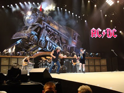 acdc black ice tour train  photo