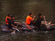 Berakit bersama BMQ Team menyusuri hujan renyai ( Team Building)