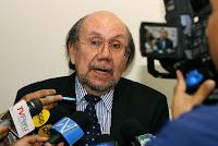 Ministro de Cultura, Juan Ossio, declara a la prensa. Foto: ANDINA/Víctor Palomino