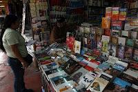 Obras del escritor peruano Mario Vargas Llosa se venden en ferias populares del Centro de Lima. Foto: ANDINA/Rubén Grández
