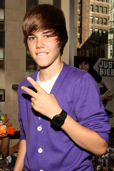 justin bieber wearing purple
