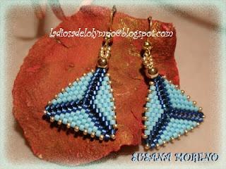 pendientes triangulos delicas