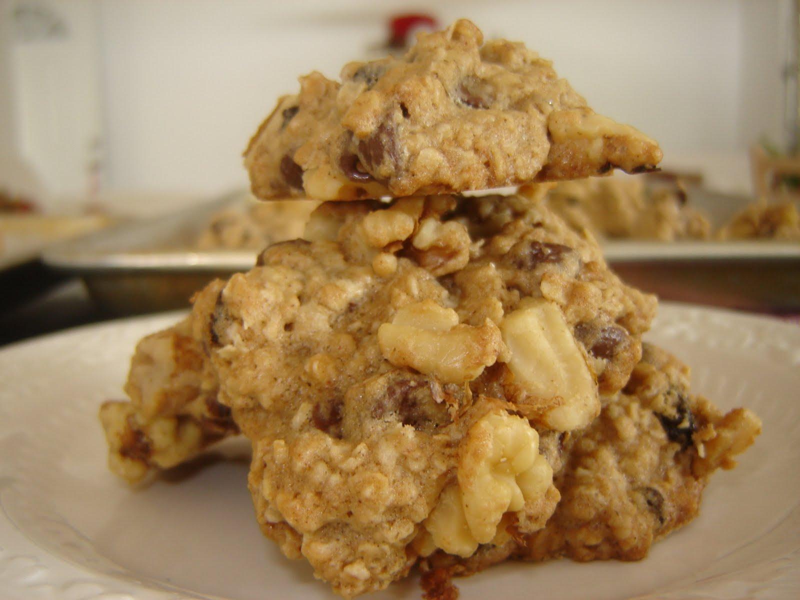 eatamarthacupcake: Oatmeal Raisin Chocolate Chip Cookie