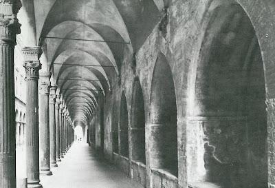 Bologna, i portici di via Zamboni