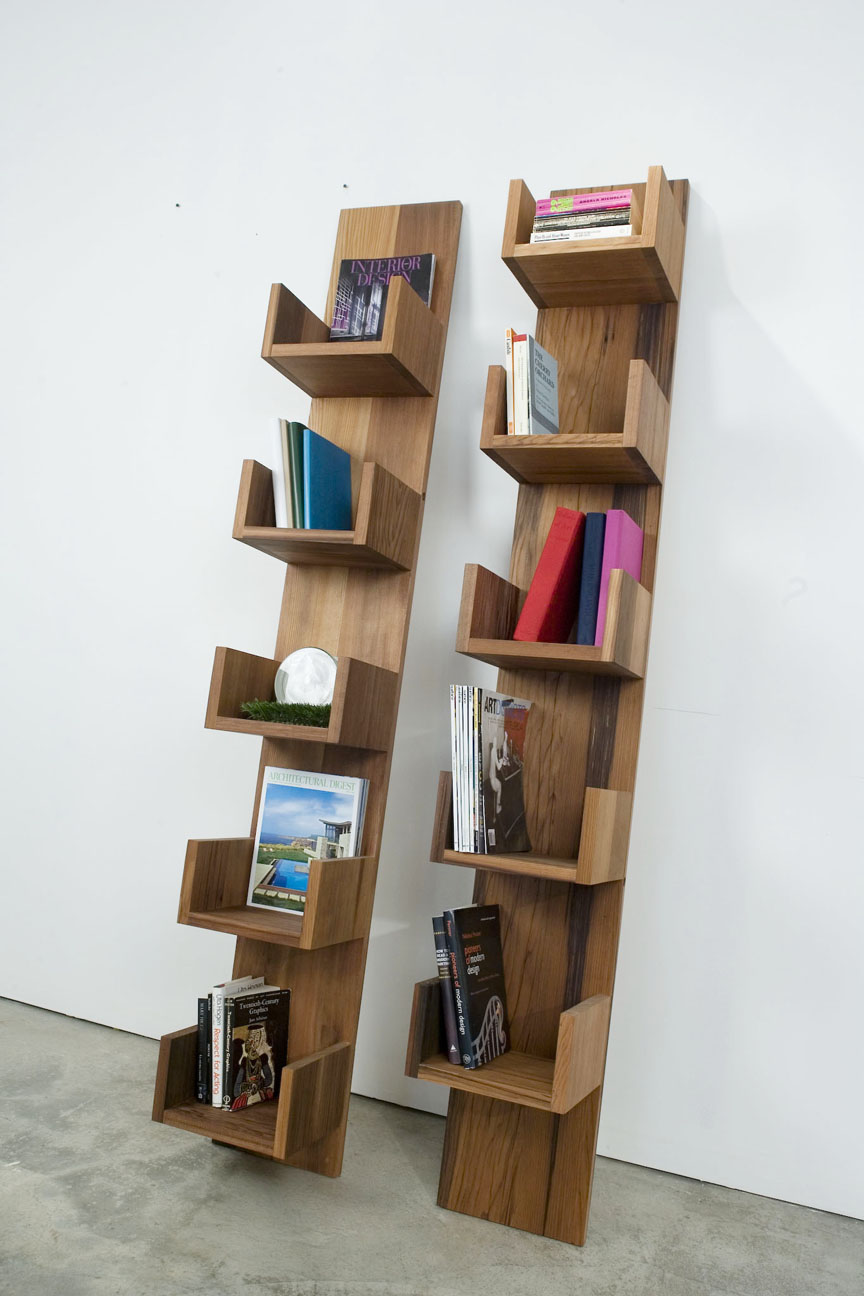 Booktryst the leaning bookshelves of deger gengiz - Fabriquer etagere bois ...