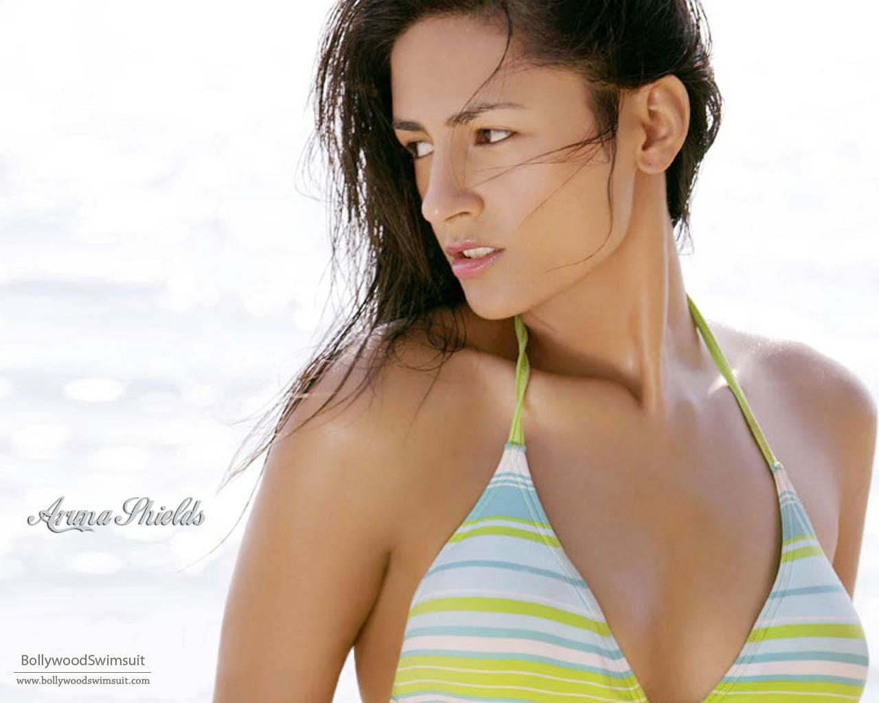 Aruna Shields nude Big Tits Lorna Morgan Nude Boobs BIG BOOB ...