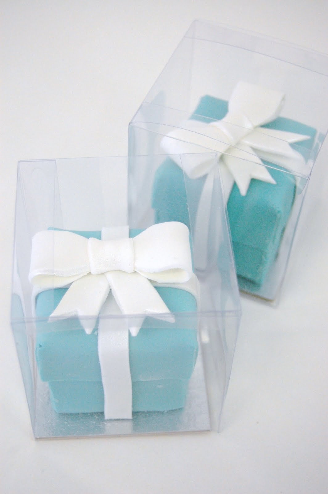iced: Gillian and Jay\'s Little Tiffany Box cakes