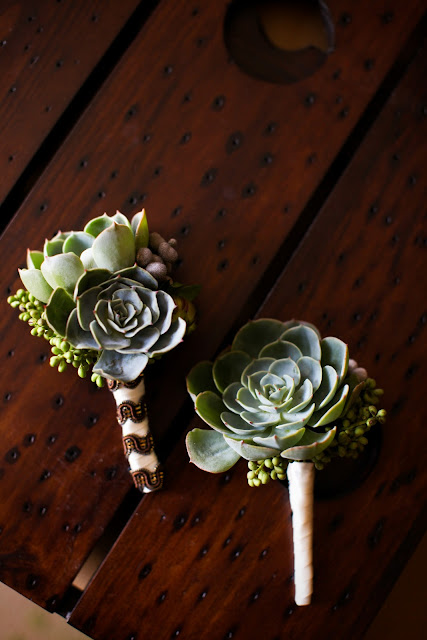 sunstone-winery-wedding-succulent-bouotnnieres