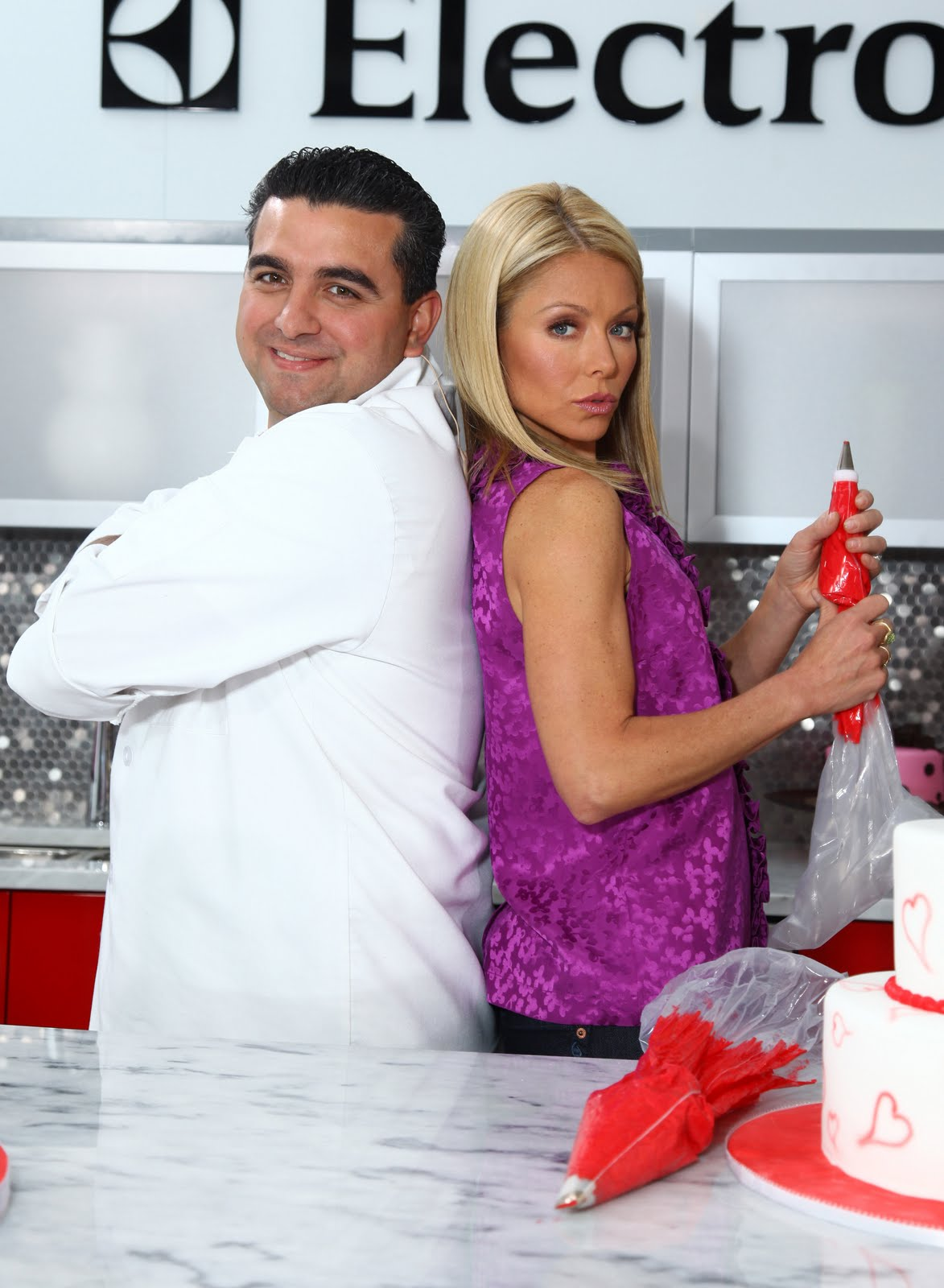 [Cake+Boss+and+Kelly+Ripa]