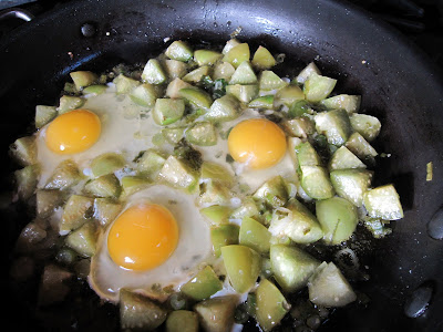 ... recipe? Here it is: Scrambled eggs with tomatillos from Simply Recipes