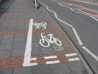 Now THAT's A Short Bike Lane