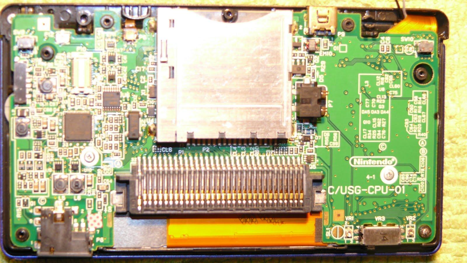Schemi Elettrici Iphone : Eccovi gli schemi dei fusibili del nintendo ds lite