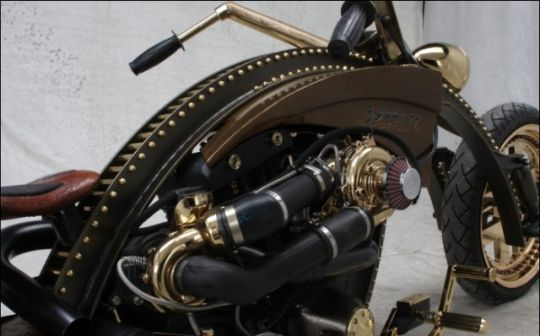 Harley customized with Steampunk looks