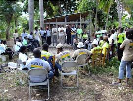 Reunión con los jóvenes voluntarios