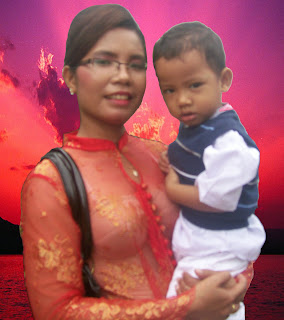 Samuel Gultom and his lovely mom's