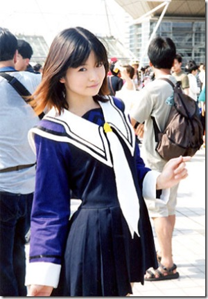 Cosplay guess - Page 2 Komiket-is