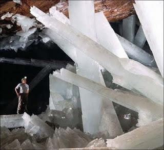 La Cueva de los Cristales Gigantes Naica