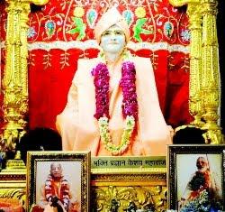 Divine Lila: Srila Gurudeva And Srila Prabhupada