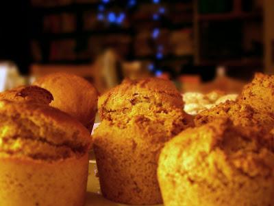http://1.bp.blogspot.com/_CKcYCWkEFdc/Sy3c-idj_BI/AAAAAAAAA10/yg_mIdc_r3s/s400/muffins1.jpg