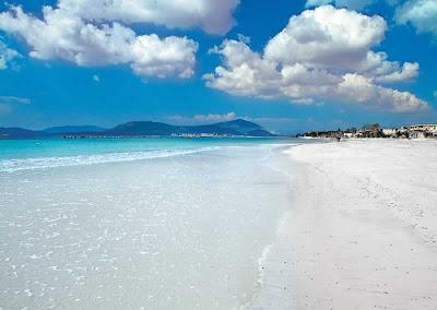 Playa cerca de l'Alguer/Alghero, en Italia