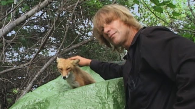 timothy treadwell behavior Timothy treadwell's behavior around bears was a concern long before the tragedy on katmai, not just for his own safety but because of the way he portrayed the bears to the public the best way to protect the bears is to teach people how to behave in bear country.