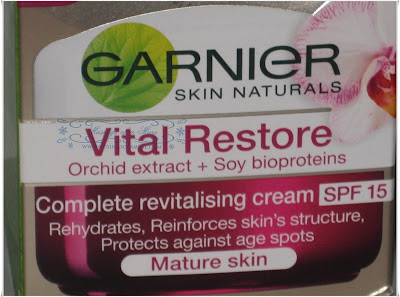 Garnier+Skin+Naturals+Vital+Restore+Moisturizer+2