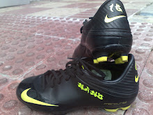 Botas negro y fluorescente