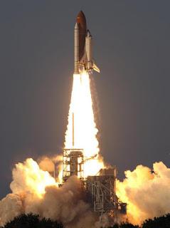 Lanzamiento de la STS-117 (II)