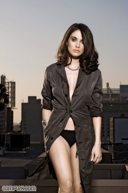 alison brie hot pics. alison brie hot photos.