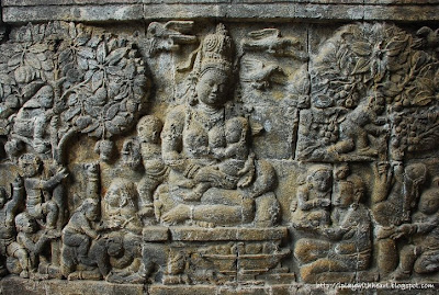 Carvings at Candi Mendut