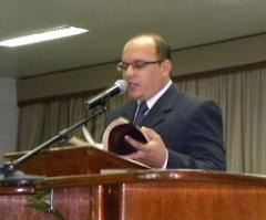 Galatas 6.3,4 (NTLH)