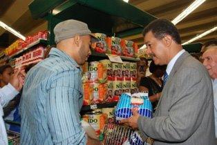 Leonel hace visita sorpresiva al Supermercado Nacional