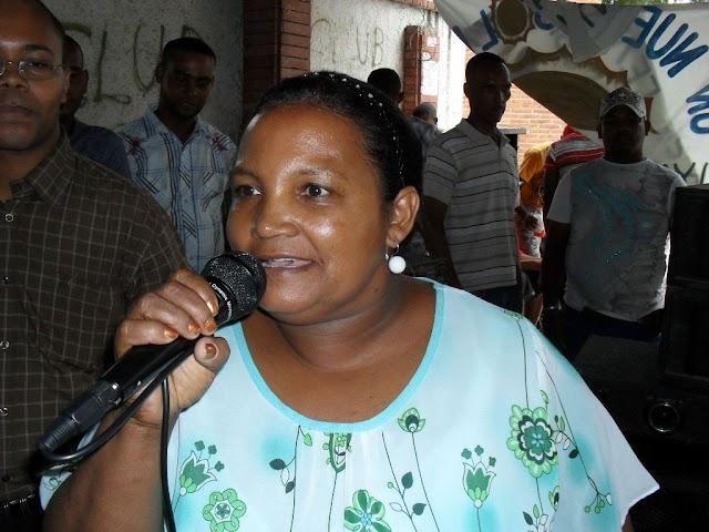 Síndica de Yaque presenta memorias gestión municipal