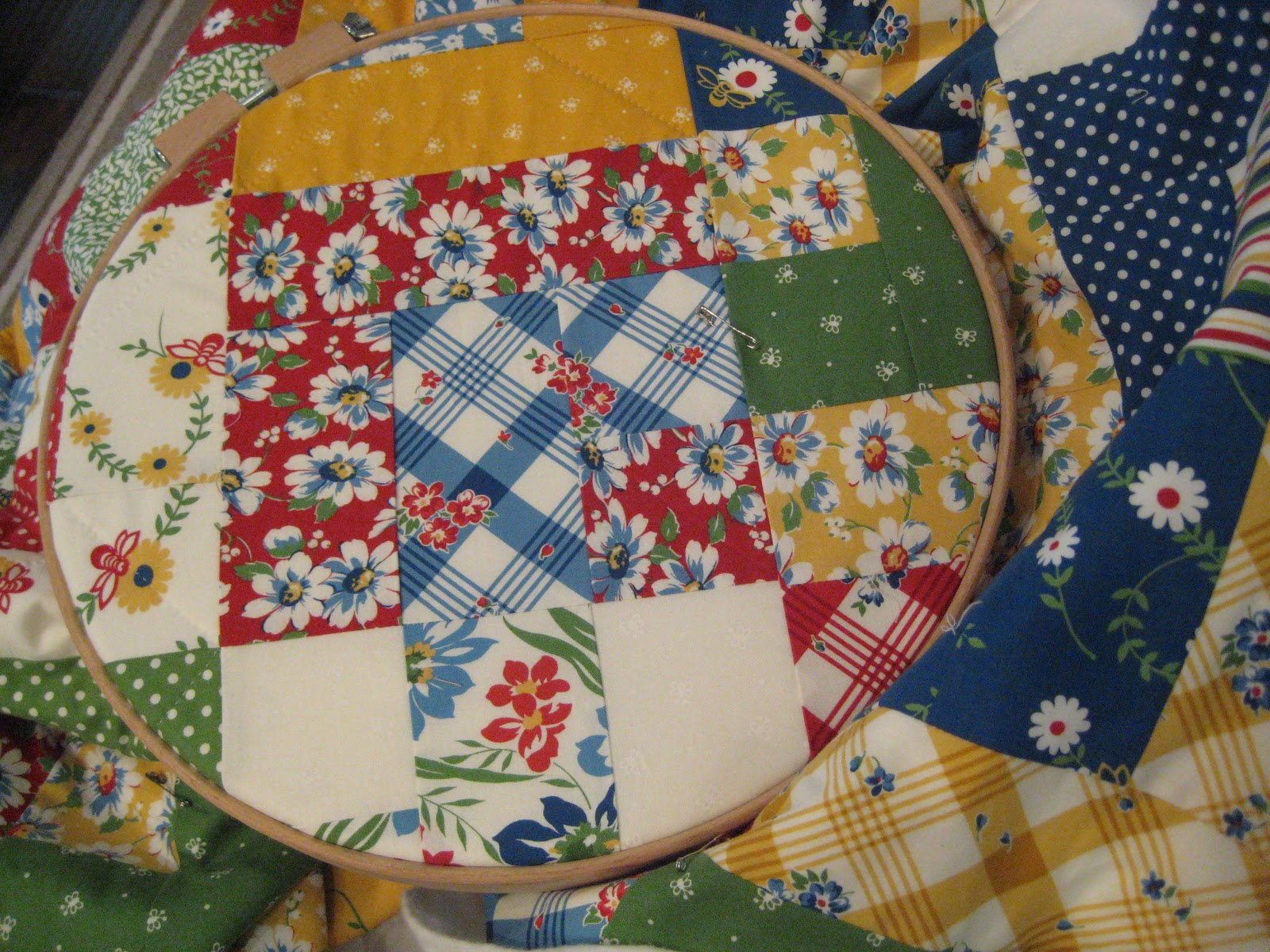So Sue: Hand Quilting : hand quilting without a hoop - Adamdwight.com