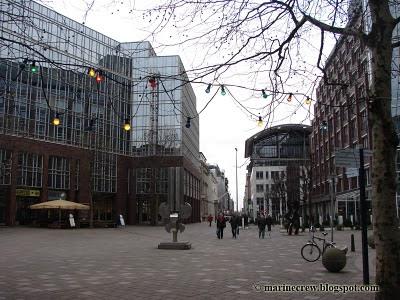 Площадь в центре города