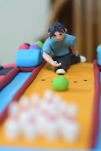 Bowling fondant cake