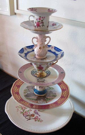 Things We Heart Decor To Die For Cake Stands Be Still