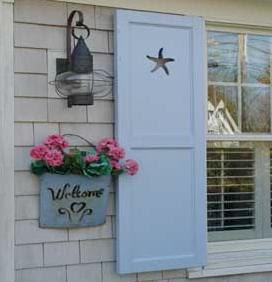 maison decor shutter love