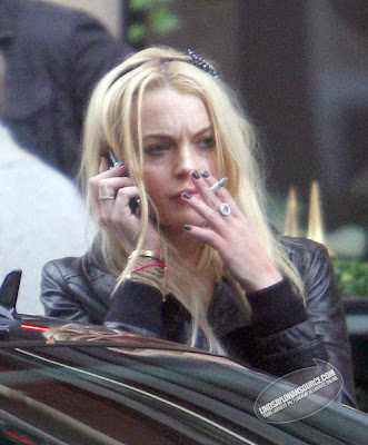 Lindsay Lohan Smoking Photos