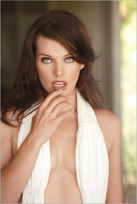 Mila Jovovich in Italian Maxim pics